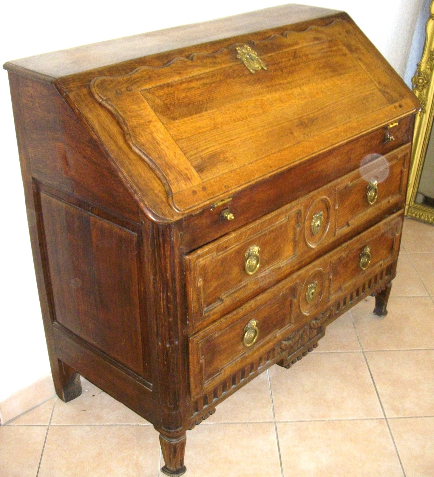 Meuble ancien bureau pente secr taire dos d ane a secret for Lions du meuble