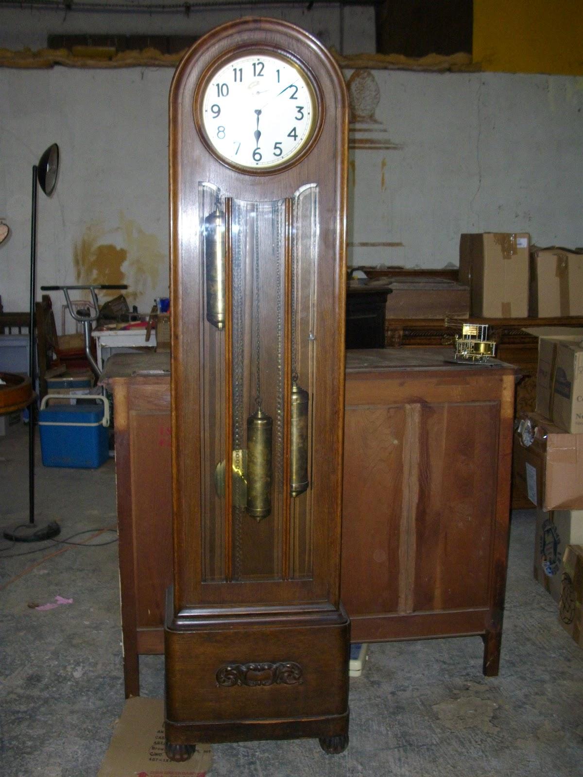 horloge de parquet pendule comtoise art nouveau showroom. Black Bedroom Furniture Sets. Home Design Ideas
