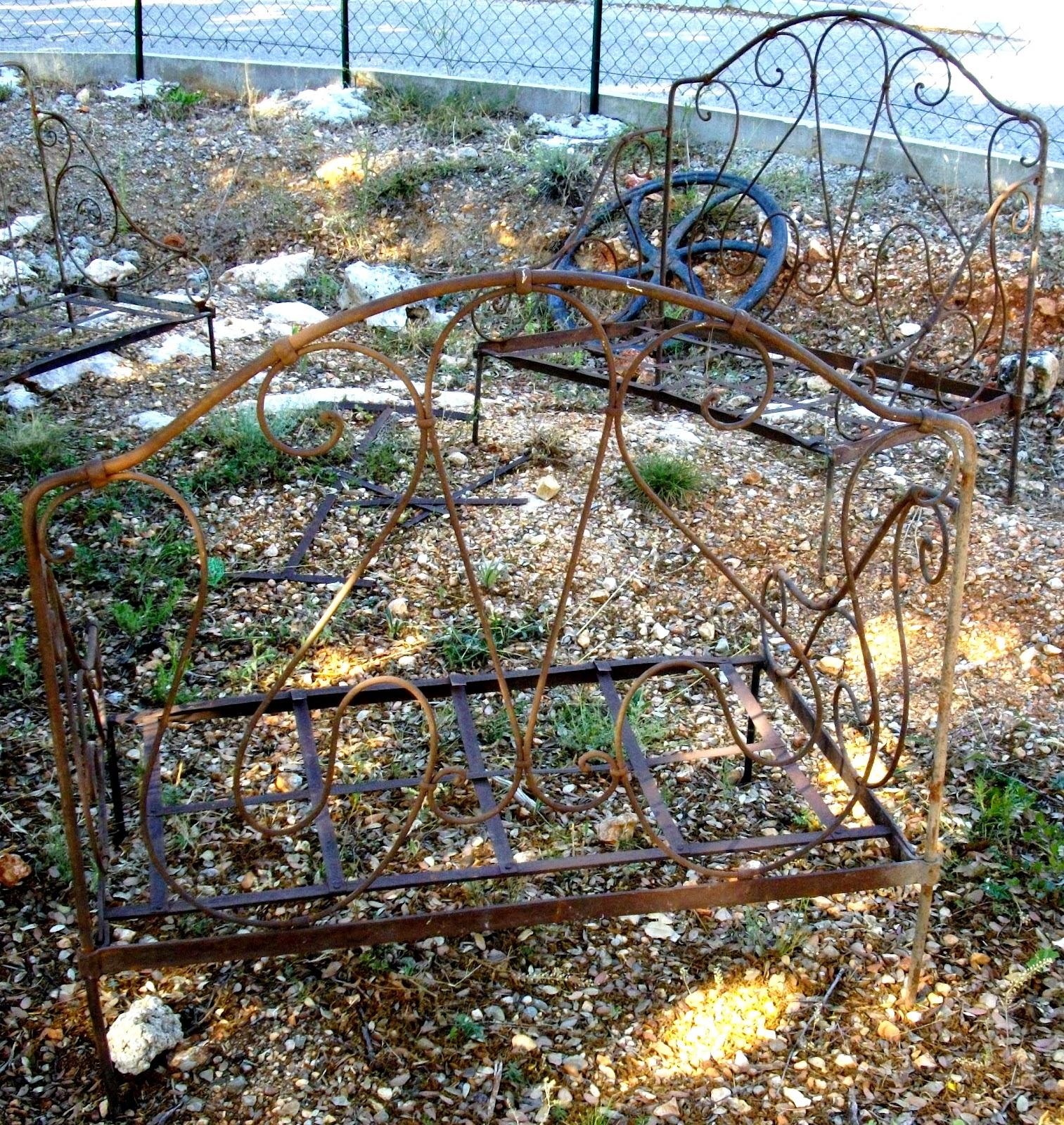 ancienne paire de banquette fauteuils pliantes en fer forgé salon ...