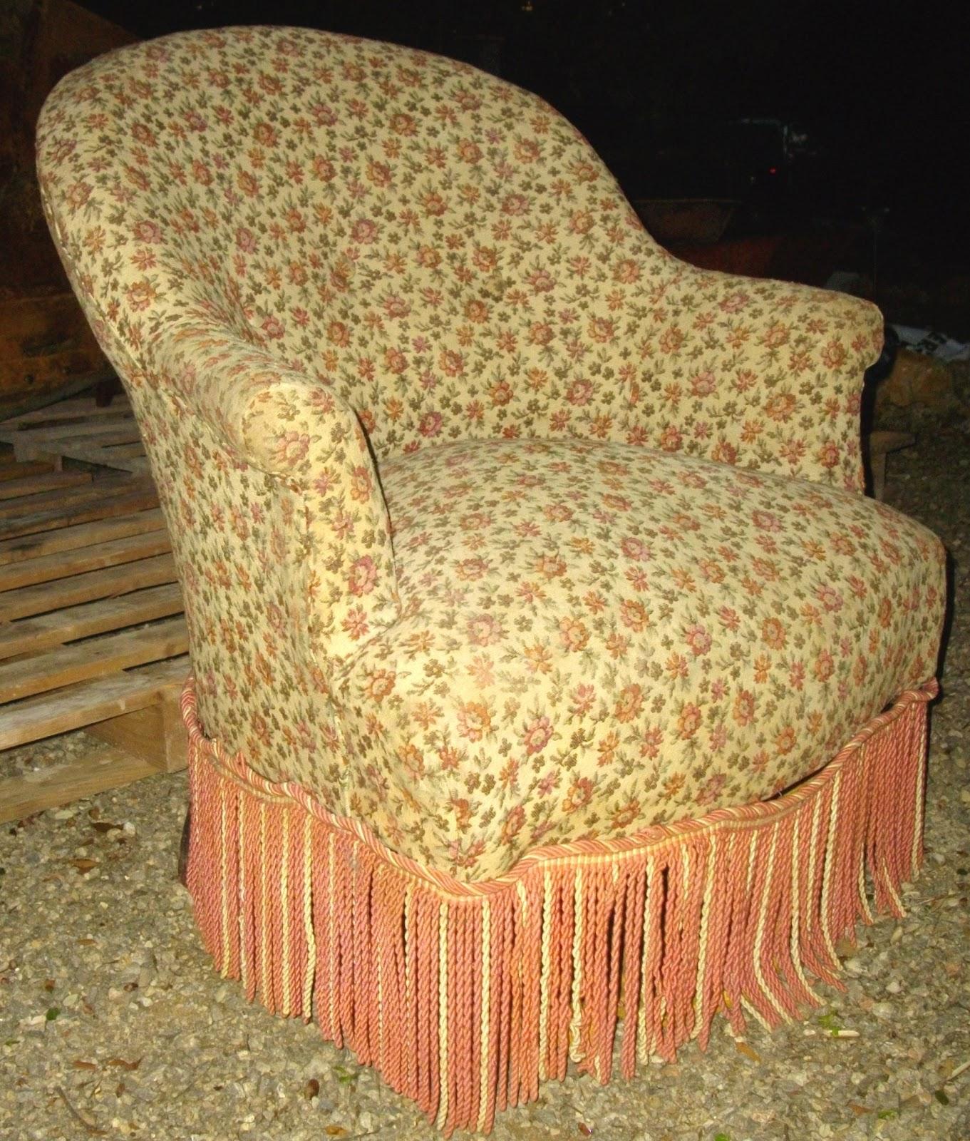 antique french ancien petit fauteuil crapaud bergre romantique dpoque - Fauteuil Ancien Bergere