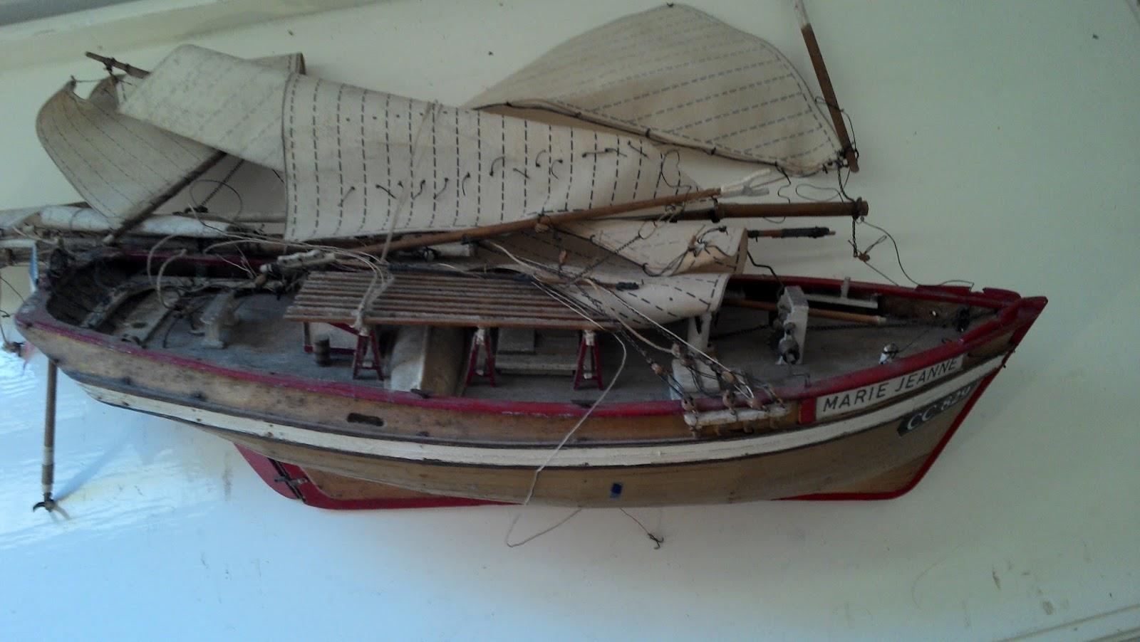 Maquette de bateau voilier canot de bassin marine jouet ancien bois le marie jeanne showroom - Voilier de bassin ancien nanterre ...