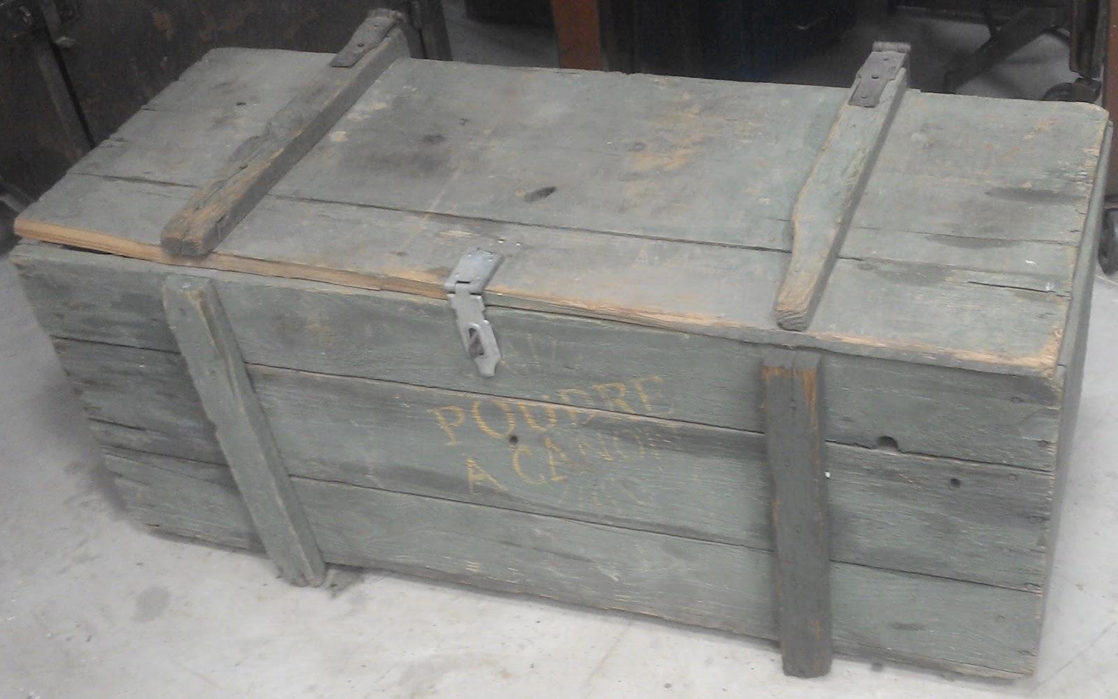 """Malle Coffre En Bois Ancien ancienne malle caisse a munition """" poudre a canon """" en bois"""