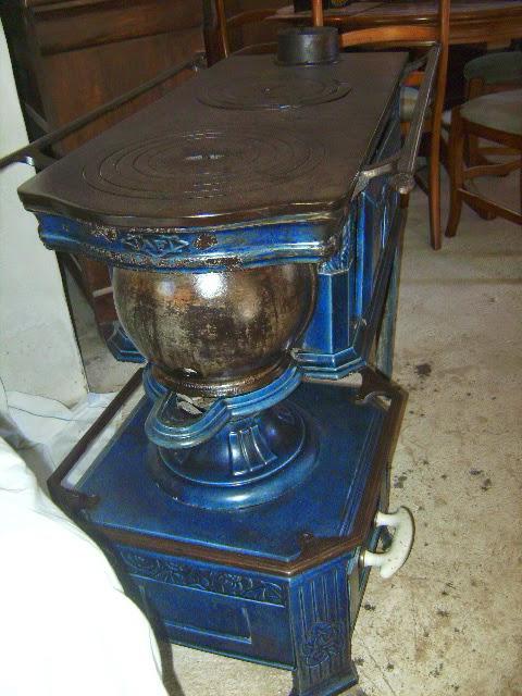 poele cuisiniere a bois fonte maill e bleu poque art nouveau. Black Bedroom Furniture Sets. Home Design Ideas