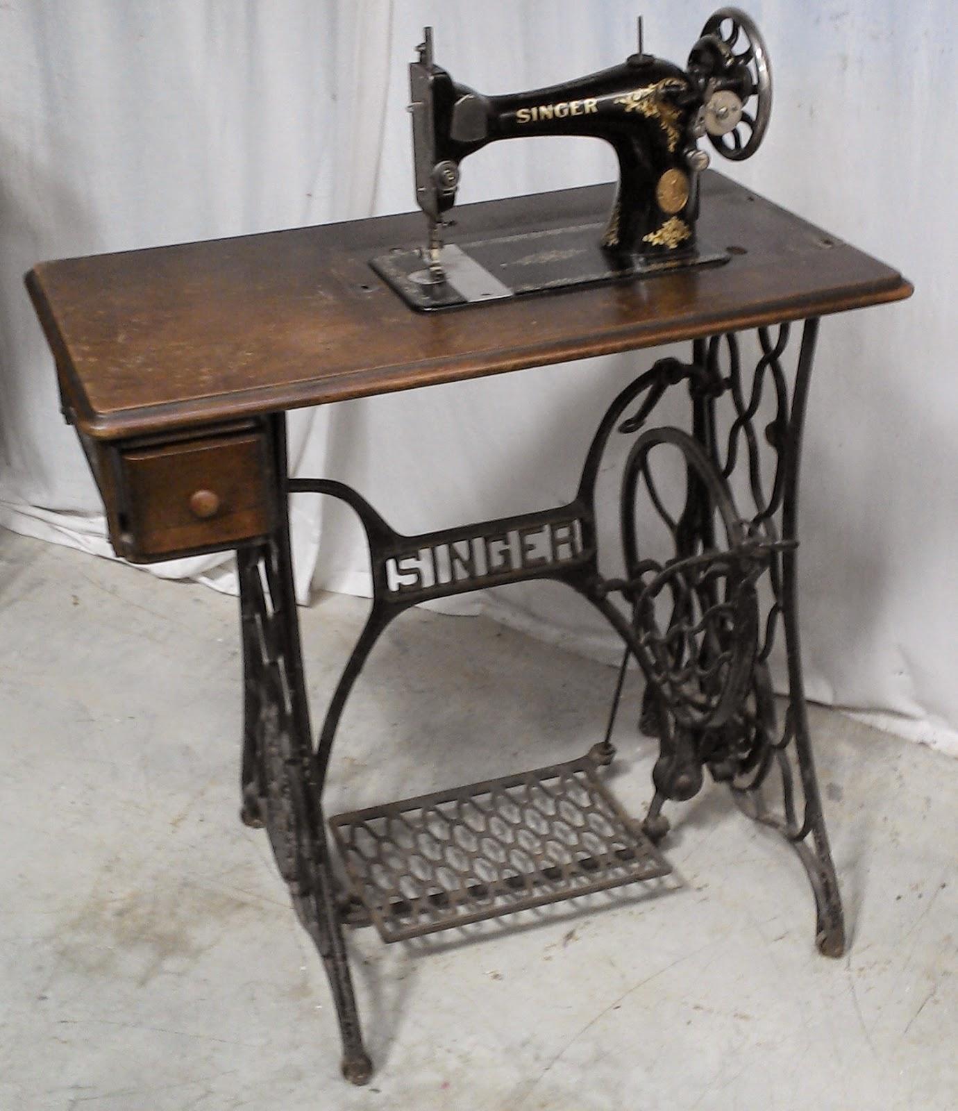 Machine A Coudre Ancienne ancienne machine a coudre singer piétement en métal fer